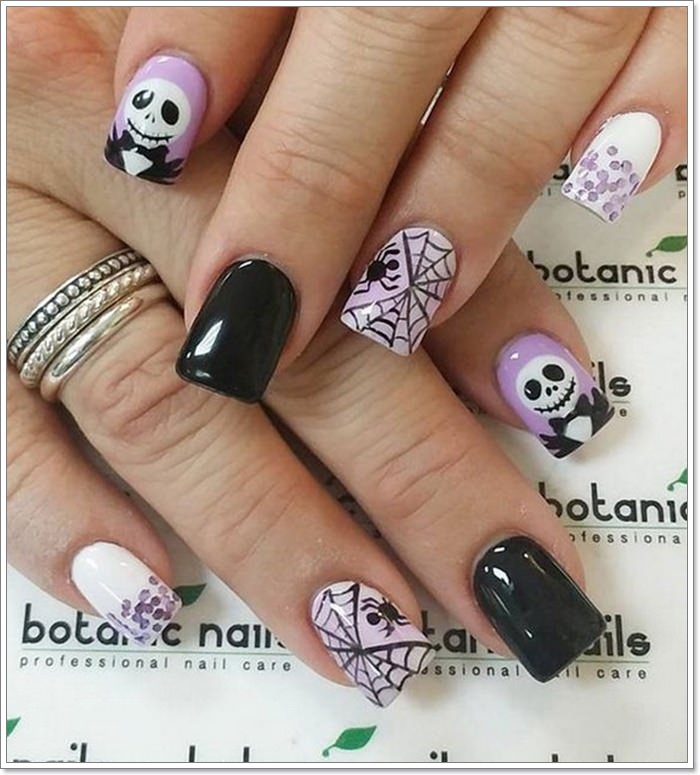 105 Glitzy Halloween Nails to Rock Your Celebration Seems