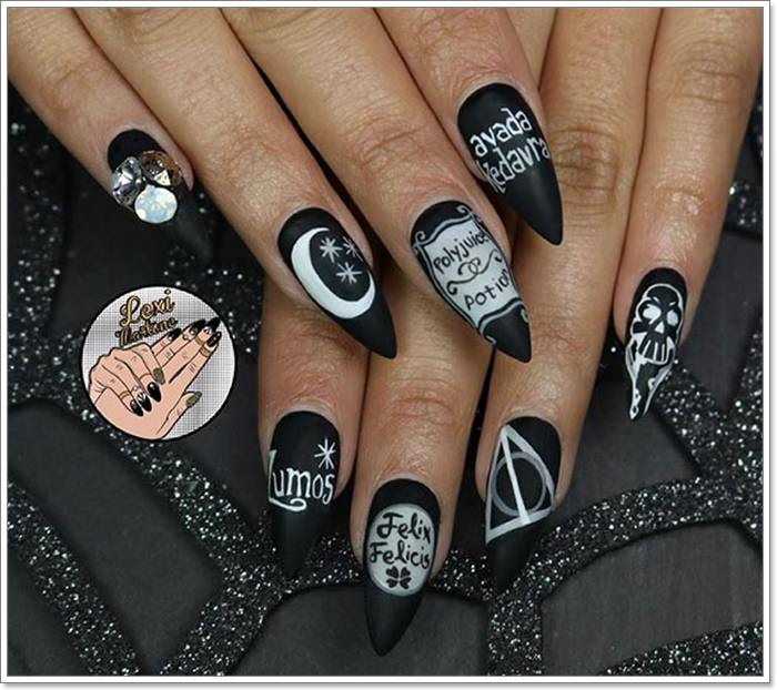 1582543776 280 105 Glitzy Halloween Nails to Rock Your Party Looks