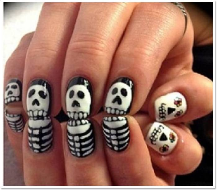 1582543782 312 105 Glitzy Halloween Nails to Rock Your Party Looks