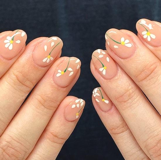 floral daisy spring nail art ideas
