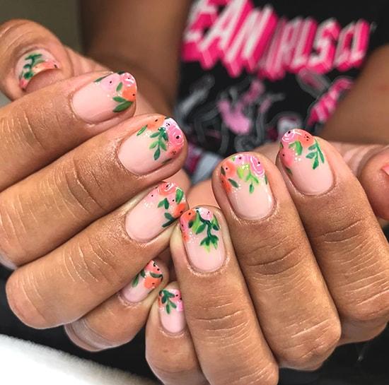 floral nail art idea spring nail trends
