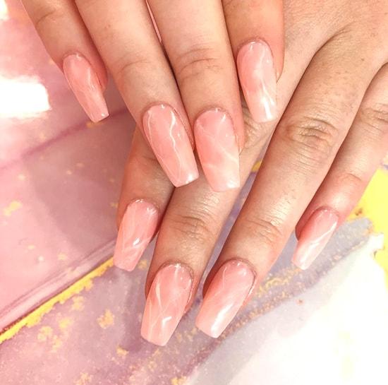 peachy marble nail art idea