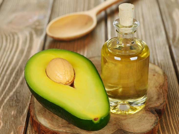 Avocado and Olive Oil Mask to Moisturize Your Hair