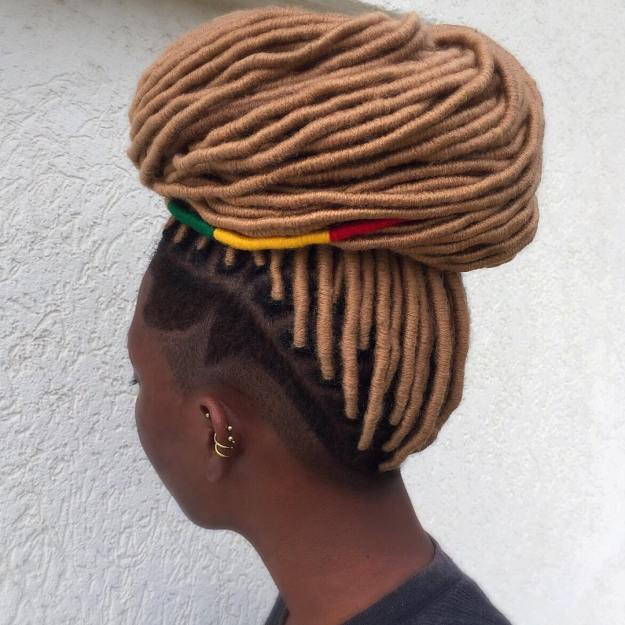 40 Fabulous Funky Ways to Pull Off Faux Locs 31