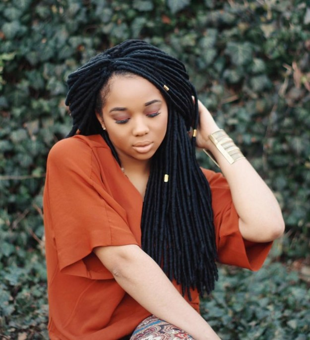 40 Fabulous Funky Ways to Pull Off Faux Locs 33