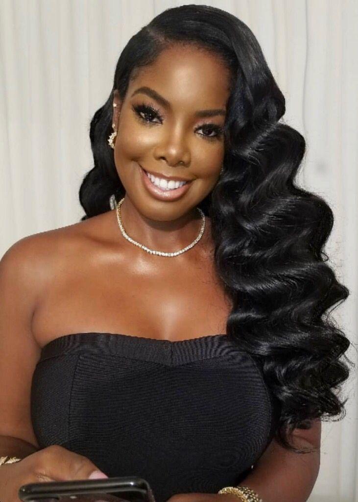 Hollywood curls in black women