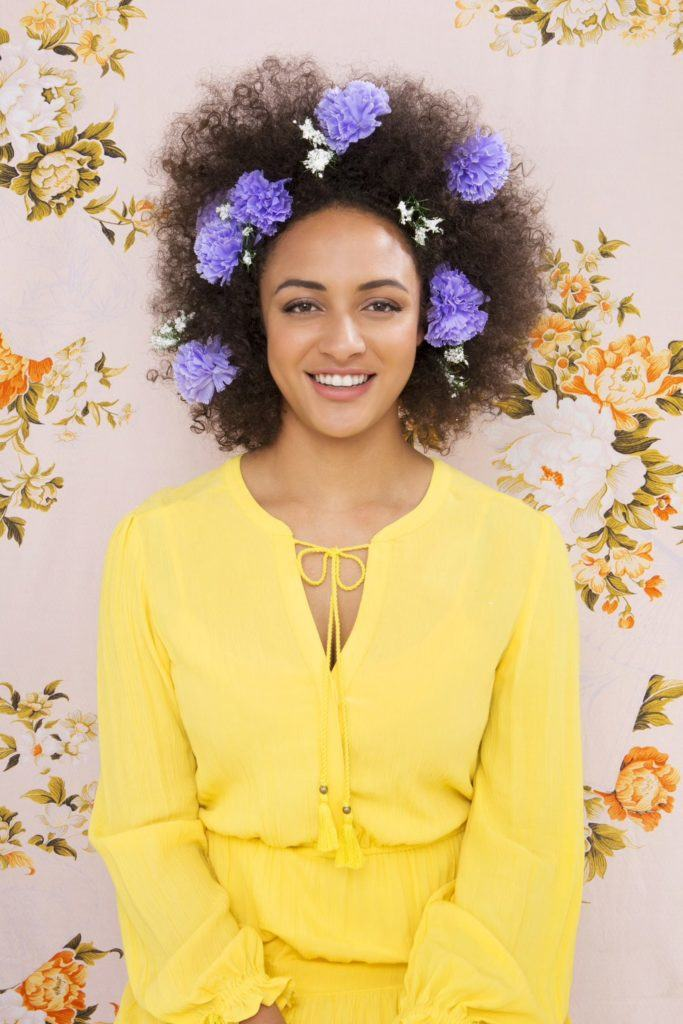 afro hairstyles flowers 683x1024 1