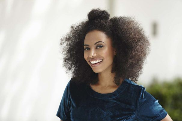 afro hairstyles half up 606x404 1