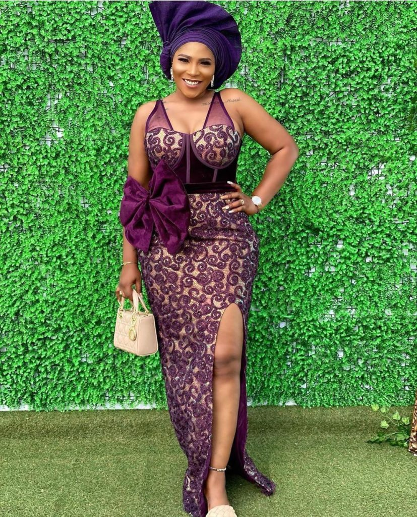 Latest Hot and Trendy Aso Ebi Collections for your next 22Owanbe22 Party0A1 827x1024 1