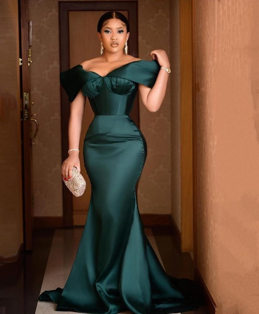 Latest Hot and Trendy Aso Ebi Collections for your next 22Owanbe22 Party0A9 844x1024 1