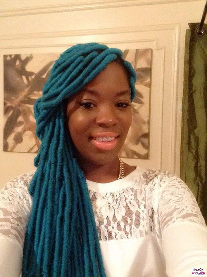 Yarn Braids Blue 1